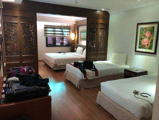 โรงแรมปูริ ภาพถ่าย