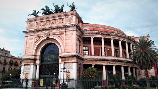 teatro casino golden palace