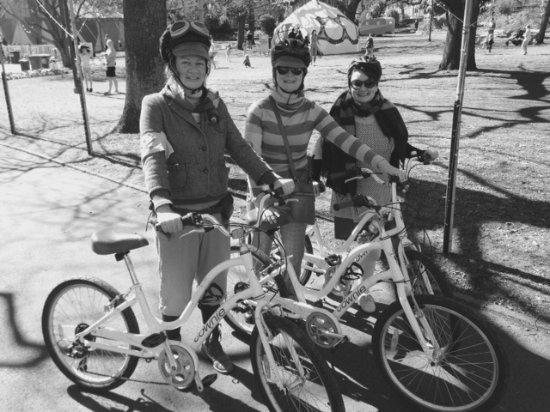 Invermay, Australia: The very fashionable Tweed Riders..............