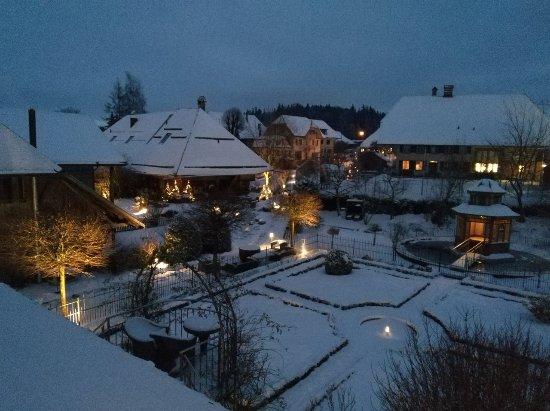 Romantikhotel Landgasthof Baren Durrenroth: Garden view