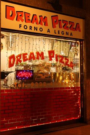 Azzate, Italia: La pizza che fa sognare