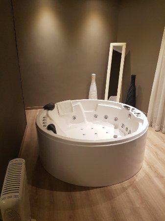 Hotel Pilar Plaza: 20171228_215200_large.jpg