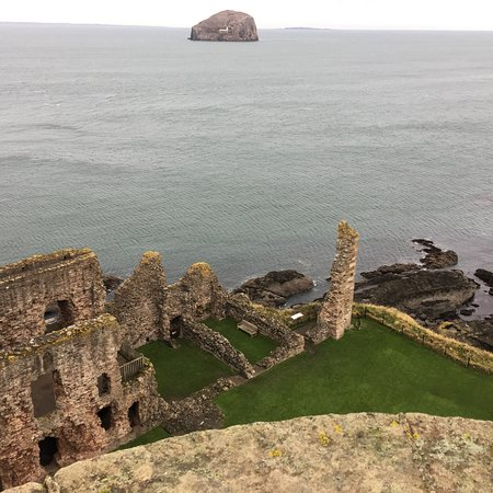 Tantallon Castle: photo1.jpg