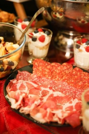 Arosfa Hotel: Breakfast buffet (yamee)