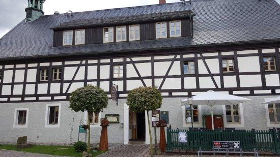Olbernhau, Deutschland: Restaurant und Hotelgebäude