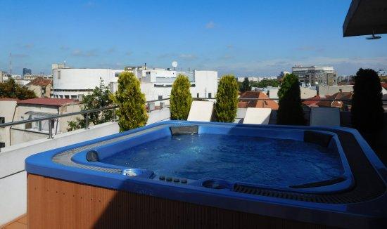 Sarroglia Hotel: Rooftop jacuzzi
