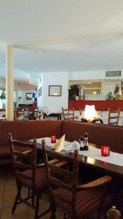Frauenwald, Германия: Restaurant mit Blick zur Rezeption