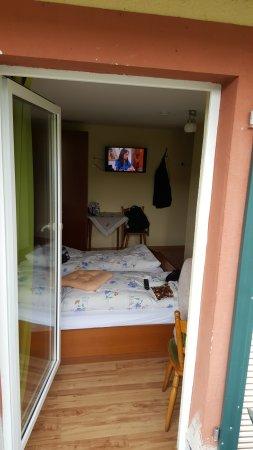 Frauenwald, Germany: Zimmer mit Blick von draussen
