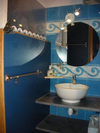"Frangy, Frankrike: salle de bain ""au loin, la mer"""