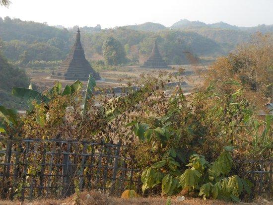Mrauk U, Burma: Gruppo settentrionale, la Laungbanpyauk Paya dal Ratana San Rwe