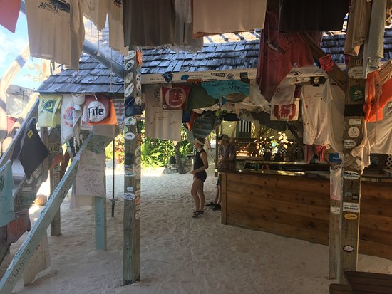 Little Harbour, Great Abaco Island: Pete' Pub