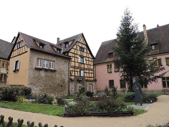 Jardín Medieval, Turckheim, Francia. - Bild von Jardin Medieval ...