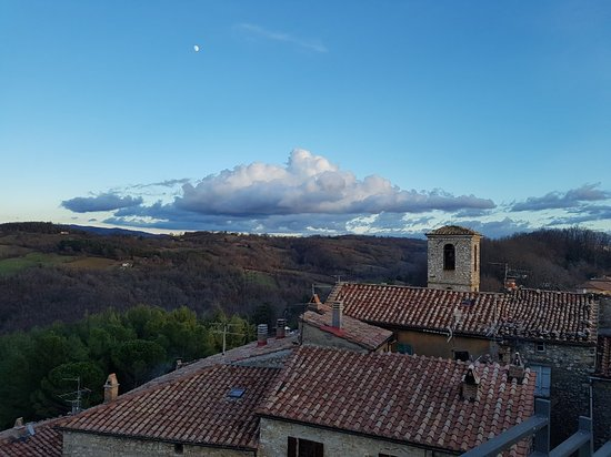 Semproniano, Italy: 20171229_161353_large.jpg
