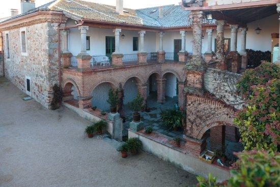 Palacio de Hoyuelos, local (casa rural) magnifico para disfrutar con amigos en familia
