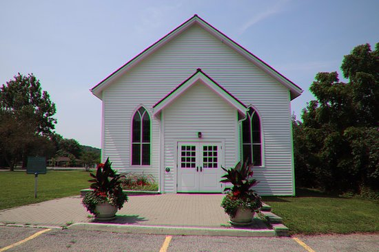 Queenston, Canada: The front of that church