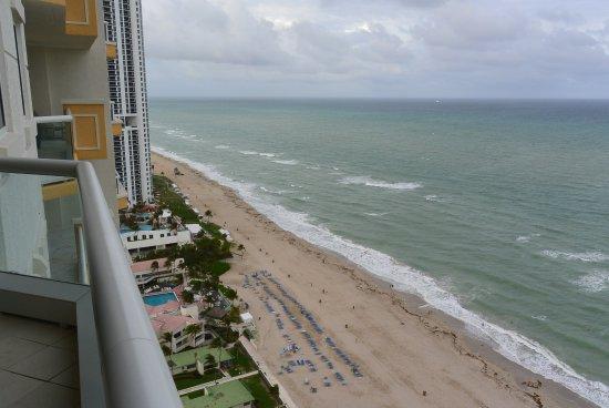 Acqualina Resort & Spa on the Beach: Aussicht vom Balkon