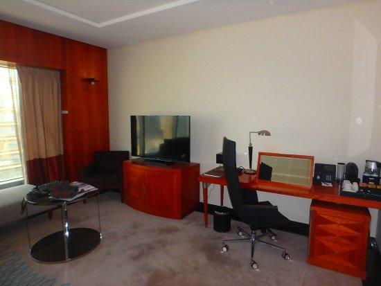 Jumeirah Emirates Towers: chambre