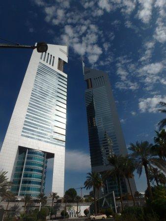 Jumeirah Emirates Towers: hotel