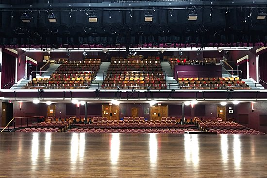 Chatfield, MN : Potter Auditorium, 658 seats and state-of-the-art sound