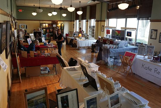 Chatfield, MN : Annual Arts & Heritage Day held in late September every year