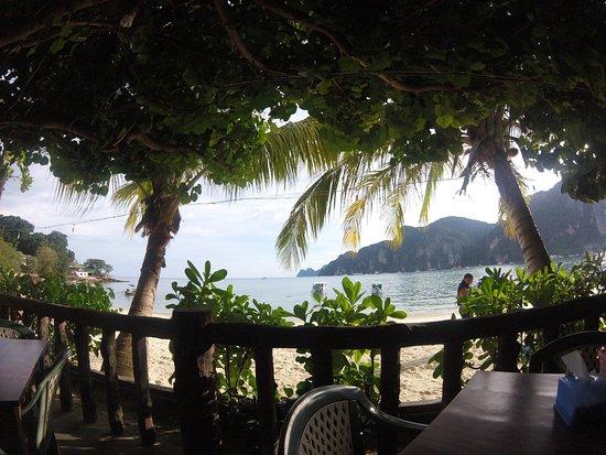 photo0.jpg - Photo de Chaokoh Phi Phi Hotel & Resort, Ko ...