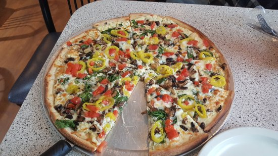 Cross City, FL: white pizza with light cheese, spinach, mushrooms, diced tomatoes and banana peppers.