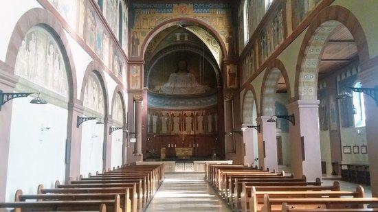 Benedictine Abbey of St. Hildegard: binnenzijde kerk
