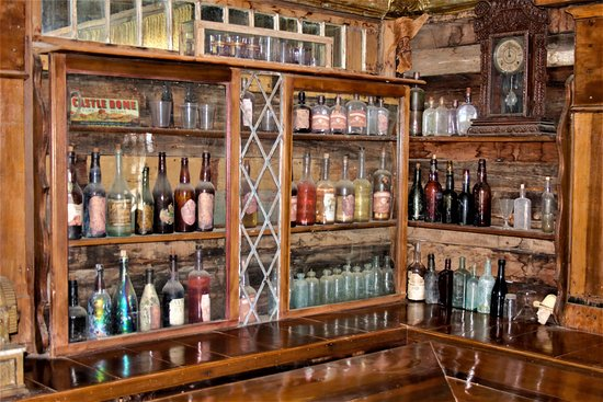 Castle Dome Mines Museum & Ghost Town: Hotel bar