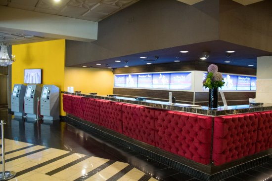 front desk and check in kiosks picture of plaza hotel casino rh tripadvisor com