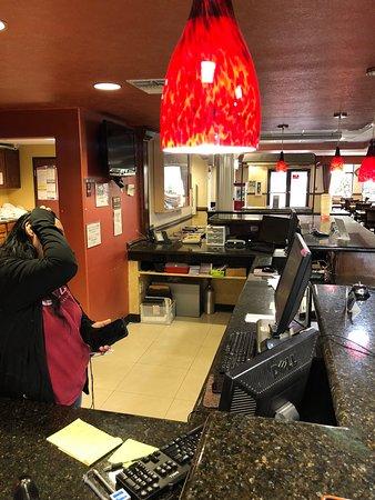 Fredericksburg Hill Country Hotel: Front Desk