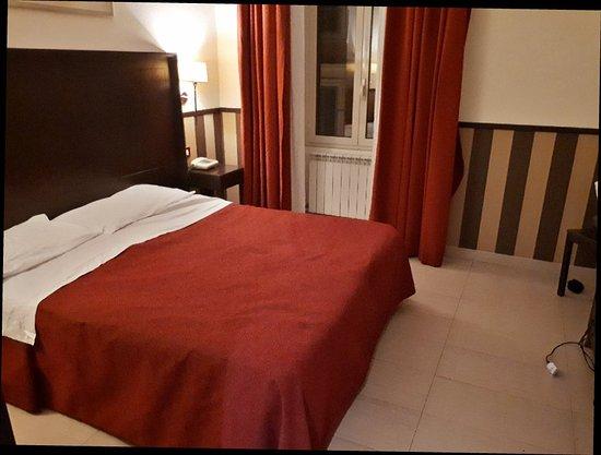 Hotel Garda: 20171228_214817_large.jpg