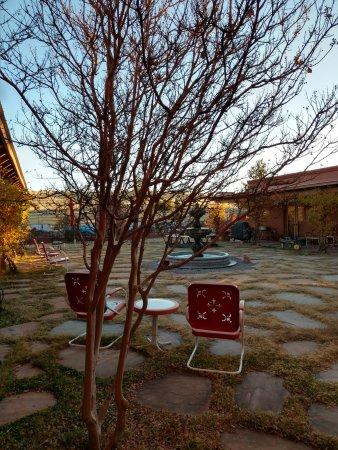 La Hacienda de Sonoita: Courtyard in back