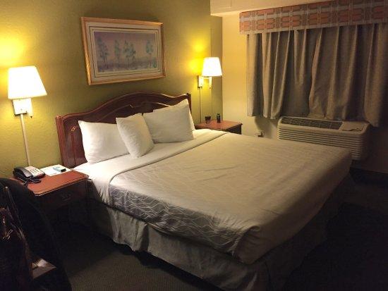 Chicago Lake Shore Hotel Picture