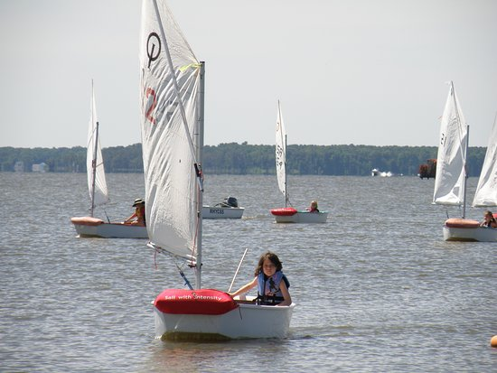 Rock Hall, MD: A beginning class out sailing