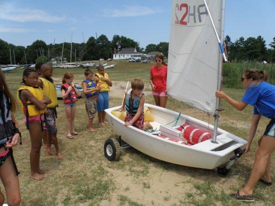 Rock Hall Yacht Club Sailing School: Teaching tacking