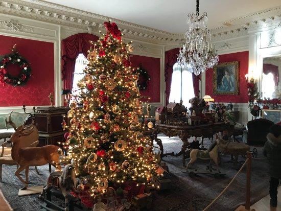 The Elms: sitting room