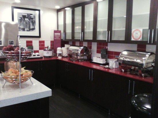 Hampton Inn and Suites Los Angeles - Anaheim - Garden Grove: Breakfast area