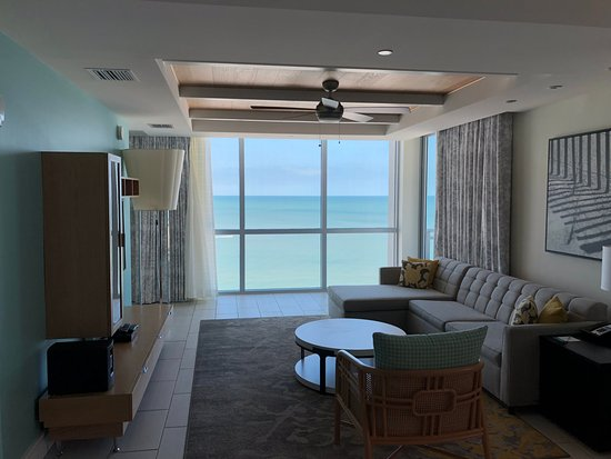 Two Bedroom Presidential Living Room Picture Of Wyndham Grand Clearwater Beach Resort