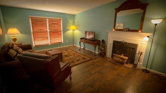 Jackson, LA: Family Room
