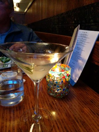 Willi's Seafood & Raw Bar : Best drinks and fresh fish in the area