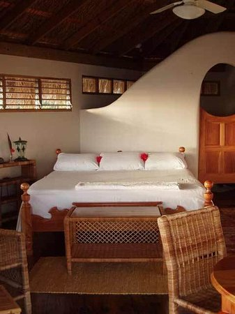 Coral Cove Resort: Guest room