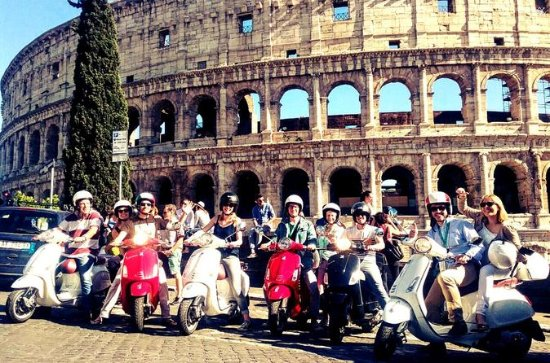 3-Hour Small-Group Vespa Tour of Rome...