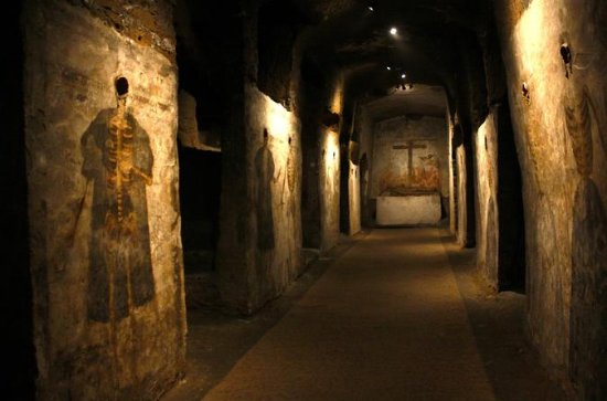 1-hour San Gaudioso Catacombs...