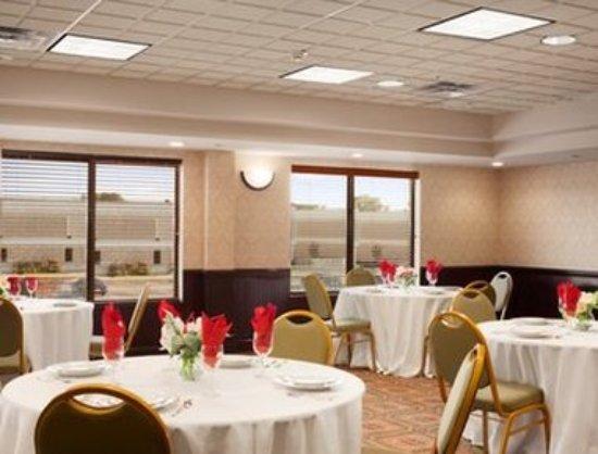 Wingate by Wyndham Chesapeake: Ballroom