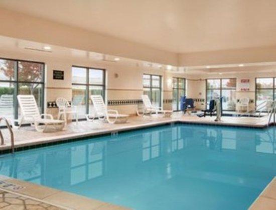 Wingate by Wyndham Chesapeake: Pool
