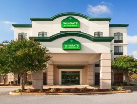 Wingate by Wyndham Chesapeake: Exterior
