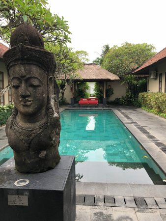 Uma Sapna: Communal pool area