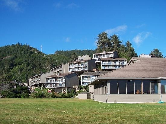 Inn at Otter Crest: Exterior