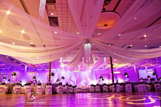 Victoria Inn: Ballroom