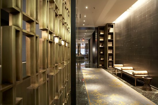 The Hazelton Hotel: Lobby